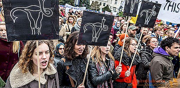 ポーランド、中絶する権利のための女性の一般的なストライキ