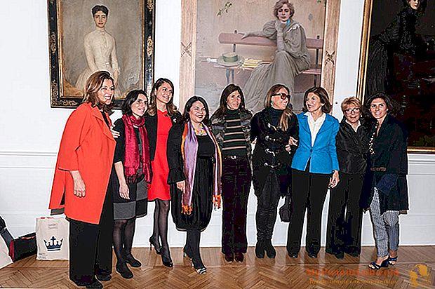 جائزة أنوثة للفنون: ثماني جوائز (أيضًا مديرة امرأة)