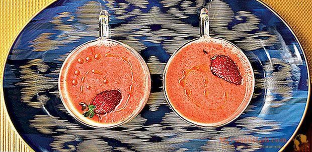 Gazpacho de morangos e tomates