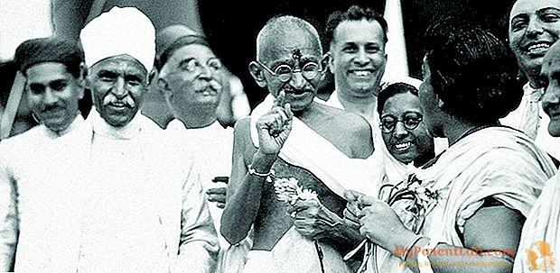 Gandhi contra Gandhi: 70 años después de su muerte, un libro le cuenta al Mahatma privado y la difícil relación con sus hijos.